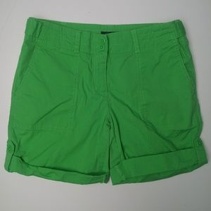 Nautica Women's Green Cuffed Short Size 4